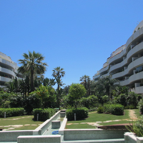 Magnificent 2 bedroom apartment a few meters. from the beach in the exclusive urbanization of Embruj, Spain