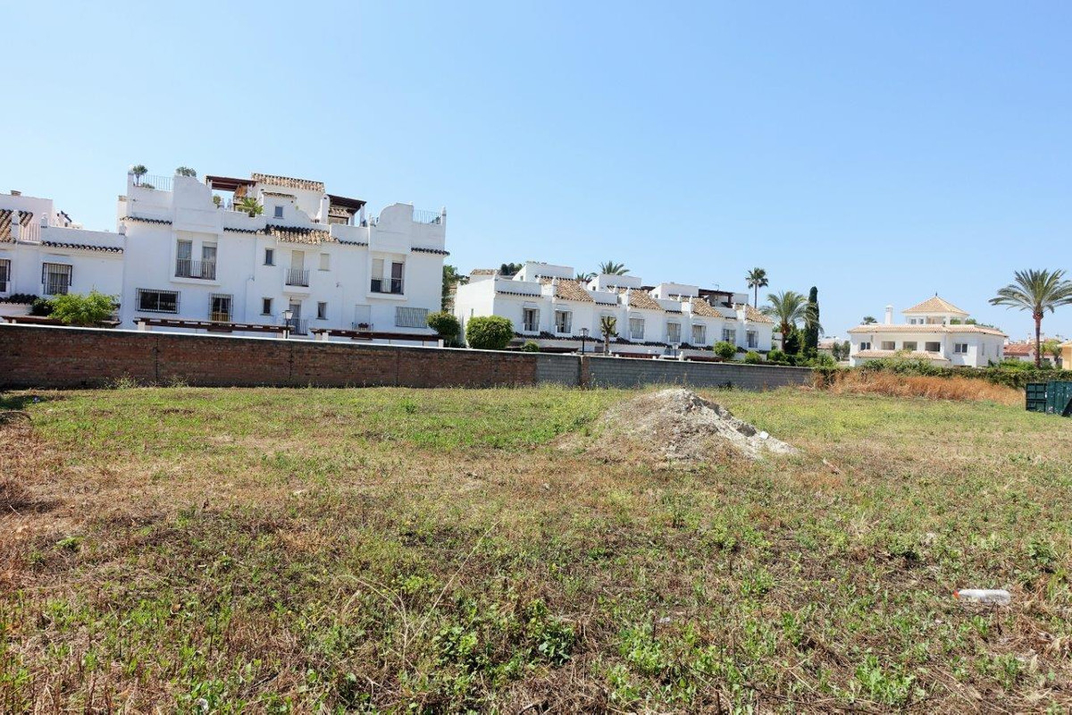 Large plot located beachside in San Pedro de Alcantara, in a residential area, next to all amenittie, Spain
