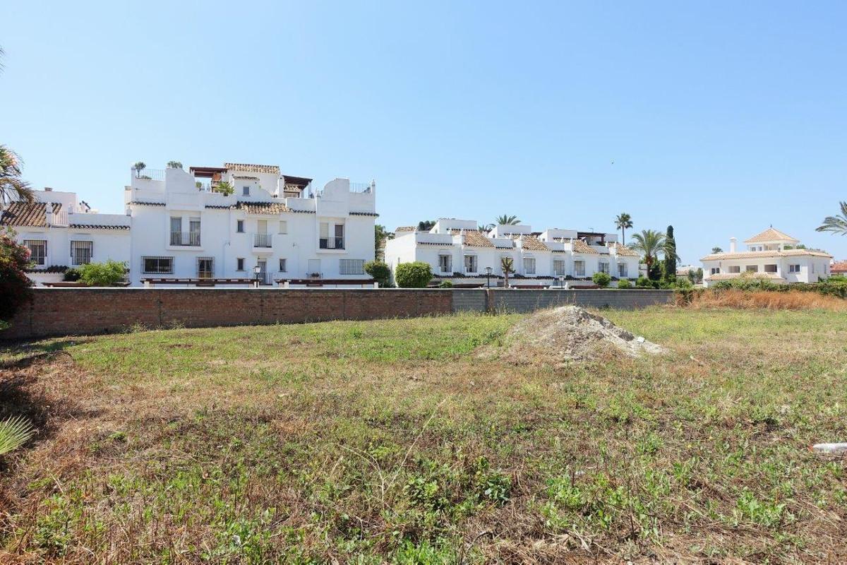R2922695 | Land in San Pedro de Alcántara – € 1,200,000