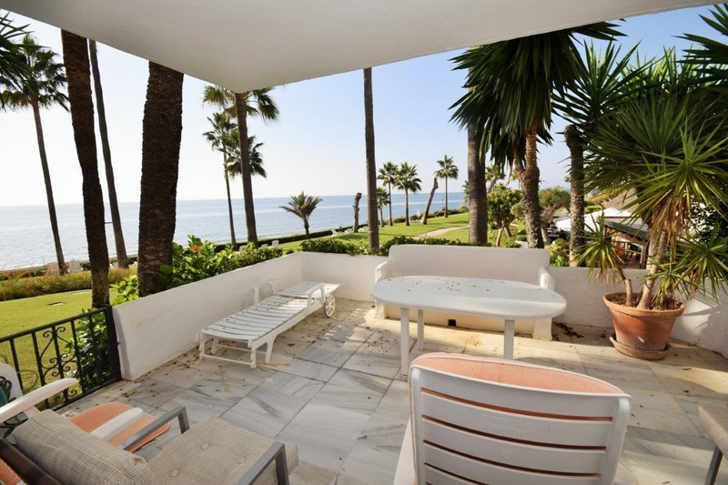 PROPERTY FOR SALE ALCAZABA BEACH (Estepona) 11