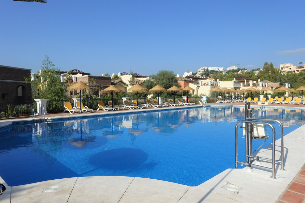 Los Arqueros Golf & Country Club: this fantastic first floor apartment with south west orientati,Spain