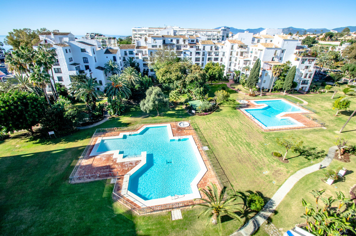 Perfect holiday location!  Spacious 2 bedroom apartment in Jardines del Puerto, a gated community wi, Spain