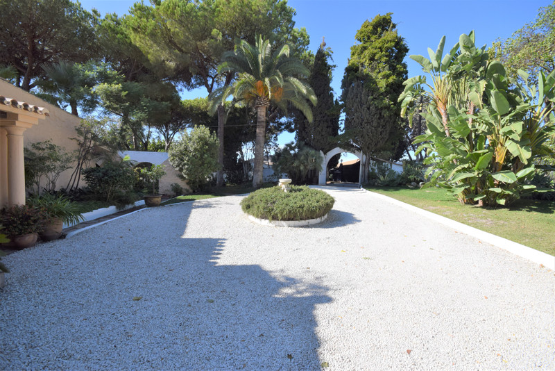 Absolute Prestige - Property for sale Marbella and Puerto Banus 5