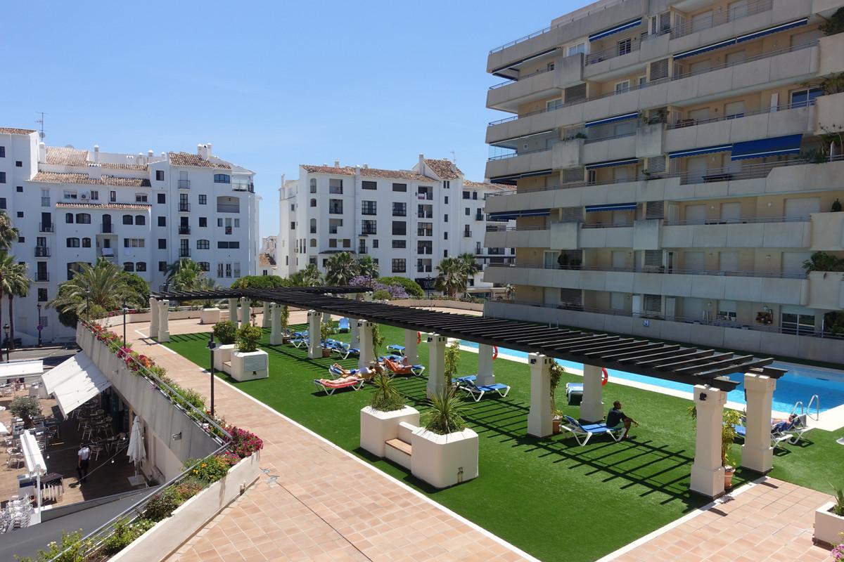 Marbella Banus Apartamento Planta Media en venta en Marbella – R3436474