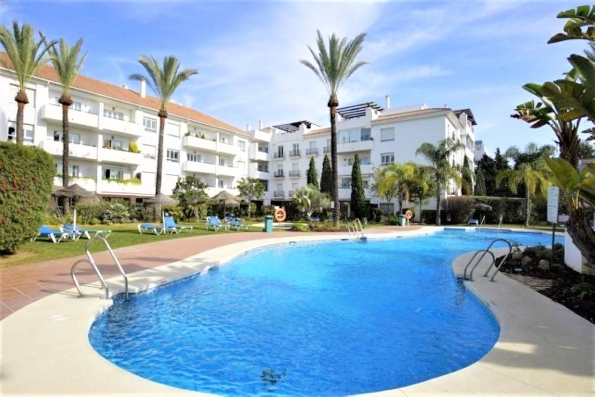 Apartment for sale in Nueva Andalucia - Nueva Andalucia Apartment - TMRO-R3295831
