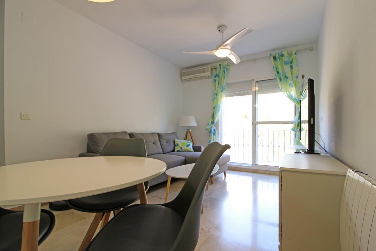 Apartamento con 2 Dormitorios en Venta Torreguadiaro