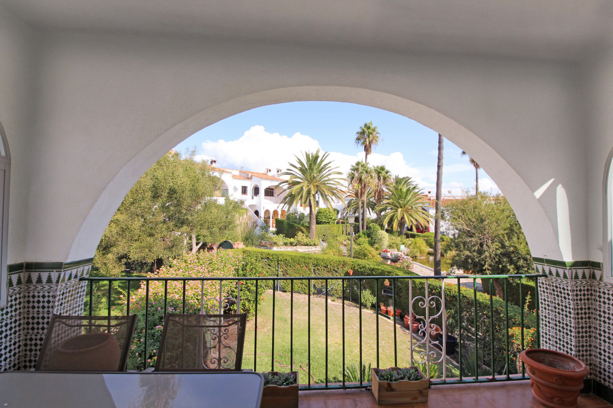The apartment has 67 square meters and is very well distributed. Its spacious living room with firep,Spain