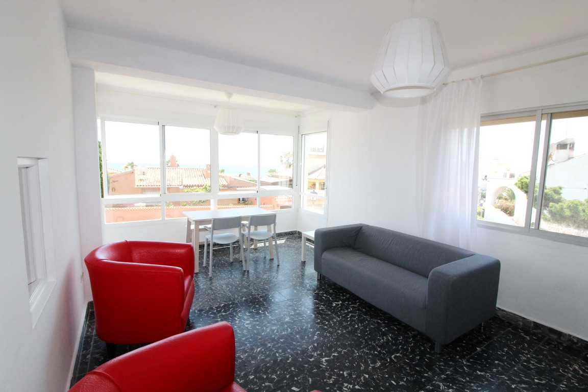 Apartment in private urbanization a few meters away from the sea, bright, spacious, comfortable and , Spain