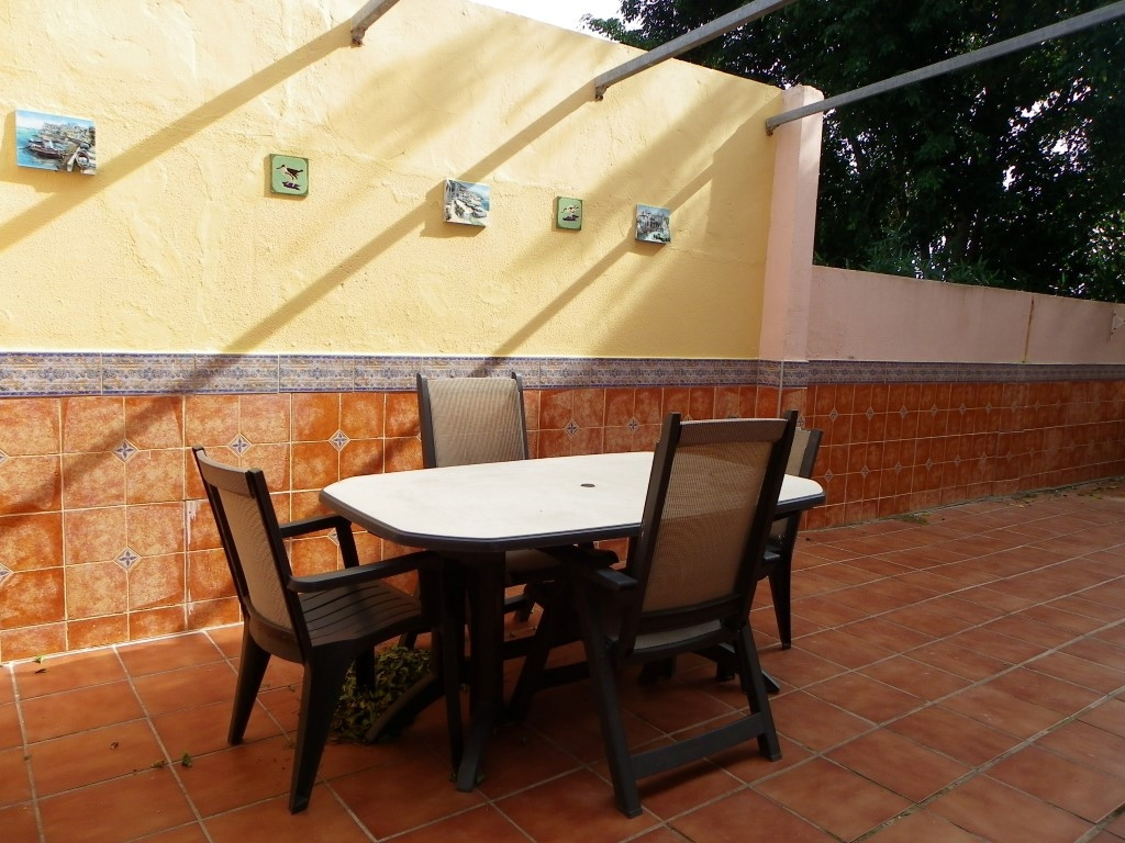 For sale 2 bedroom and 1 bathroom apartment with a great terrace just 2 minutes walking to the beach, Spain