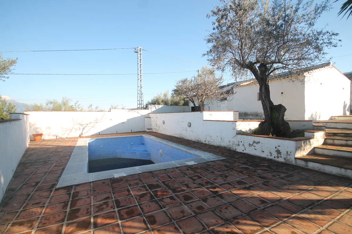 Opportunity, two houses for sale in the countryside. House 1, with three bedrooms, a bathroom, livinSpain