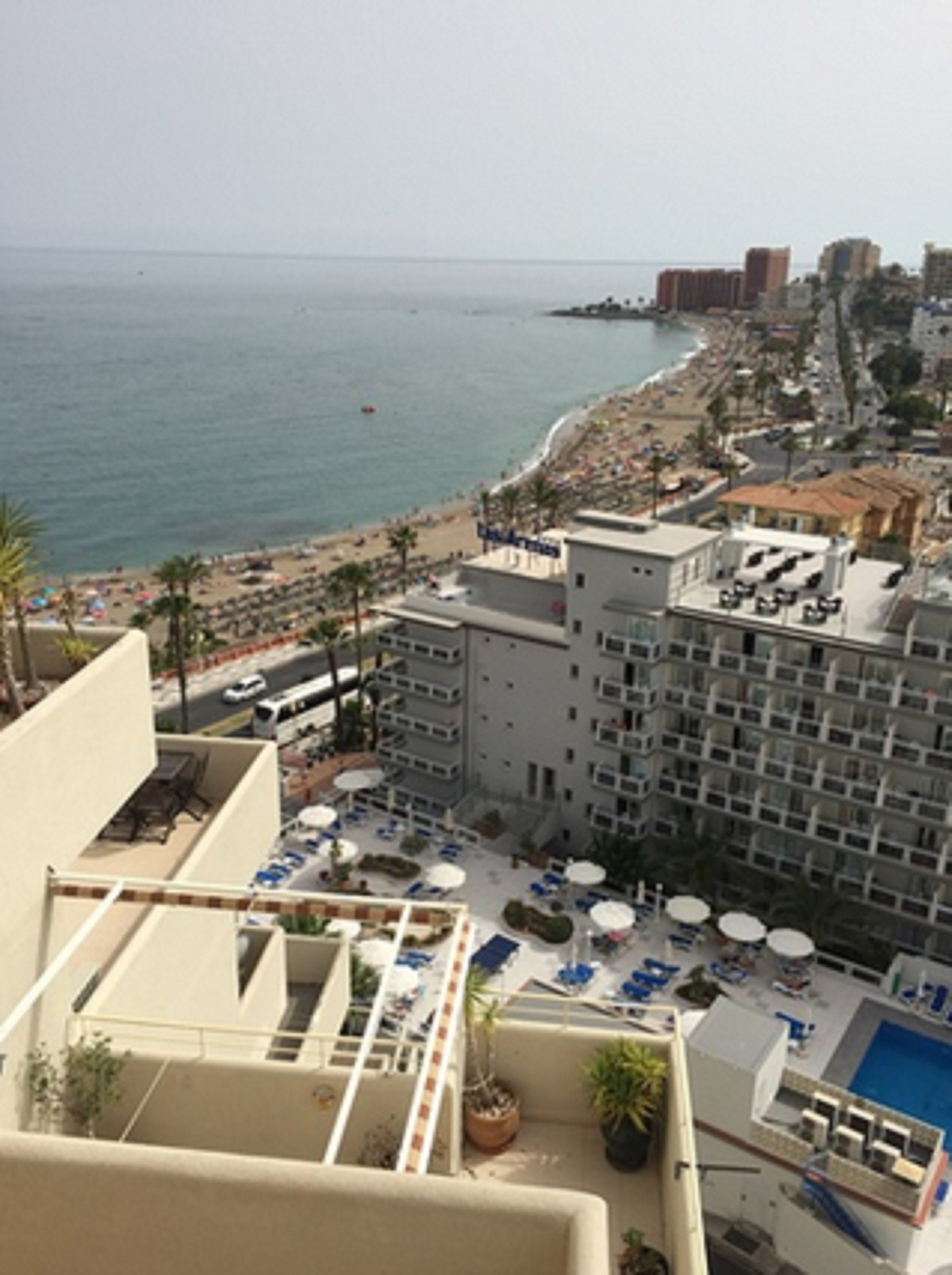 1 bedroom apartment, practical and comfortable furnishings, unlimited free WIFI internet: living/din,Spain