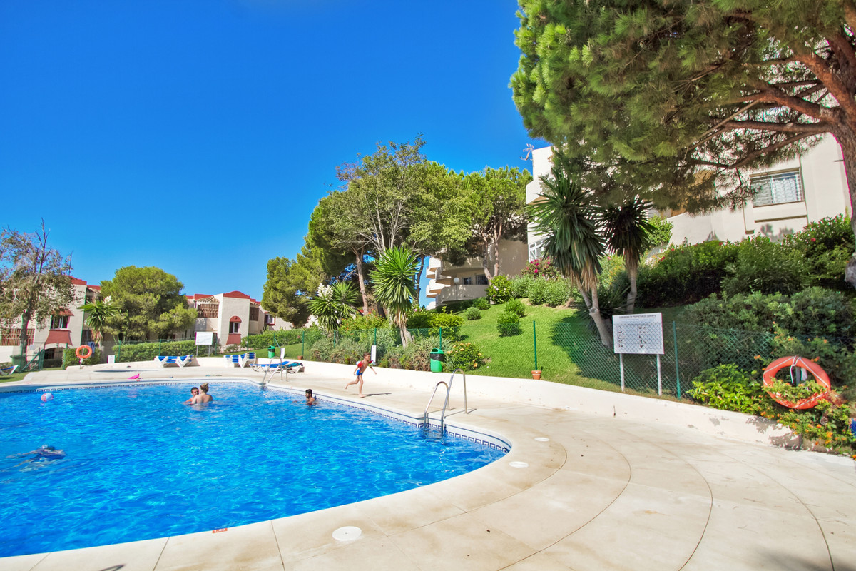 Beautiful sea view, This apartment is located in a beautiful residence with swimming pool close to a,Spain