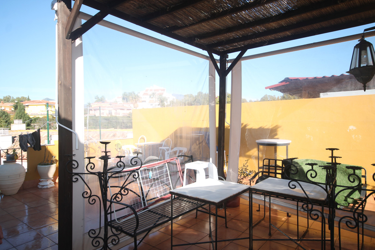 Penthouse, Estepona, Costa del Sol. 3 Bedrooms, 3 Bathrooms, Built 140 m², Terrace 50 m².  Setting :, Spain
