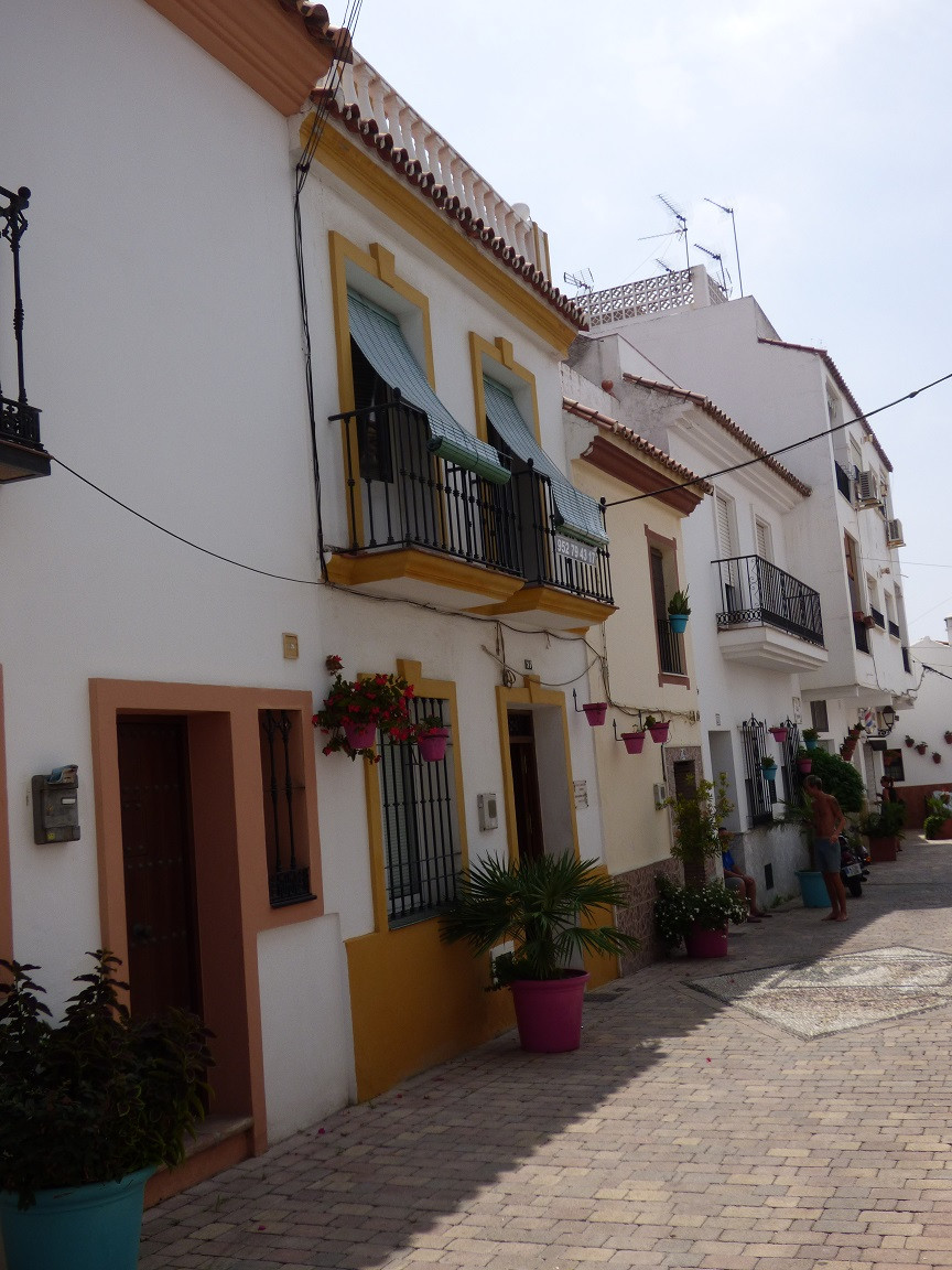 Townhouse in Estepona Village of 159 m² spread over 3 floors. Good investment for rent , it can be d, Spain