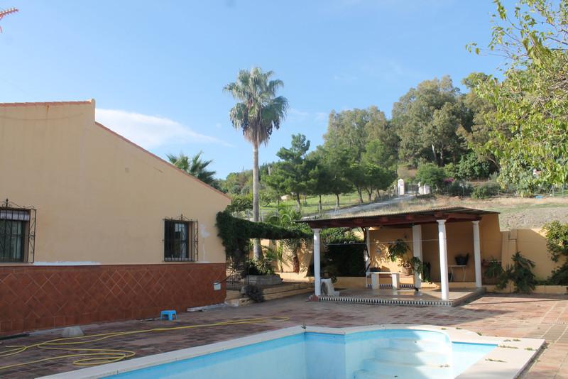 Villa – Chalet en venta, Estepona – R3291616