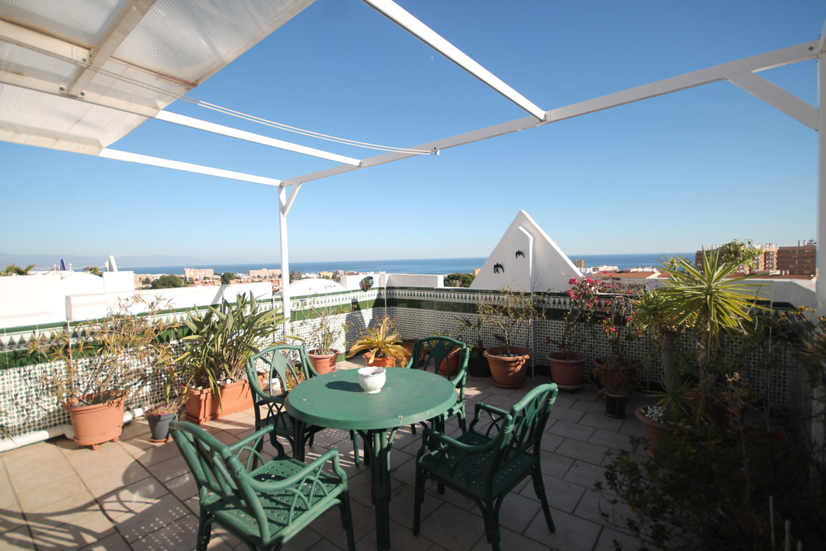 Beautiful apartment on the 4th and last floor with elevator: 3 bedrooms and two bathrooms ideally lo,Spain