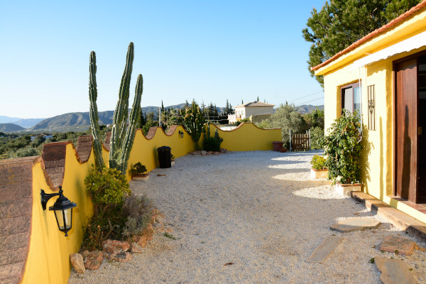 Nice house with 5. 500m2 plot, a house of 65m2 over 35m2 of terrace, 1 bedroom, 1 bathroom, lounge, ,Spain
