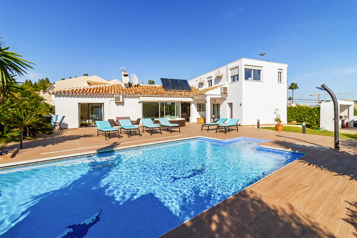 Villa  Detached for sale  and for rent  in Mijas Costa