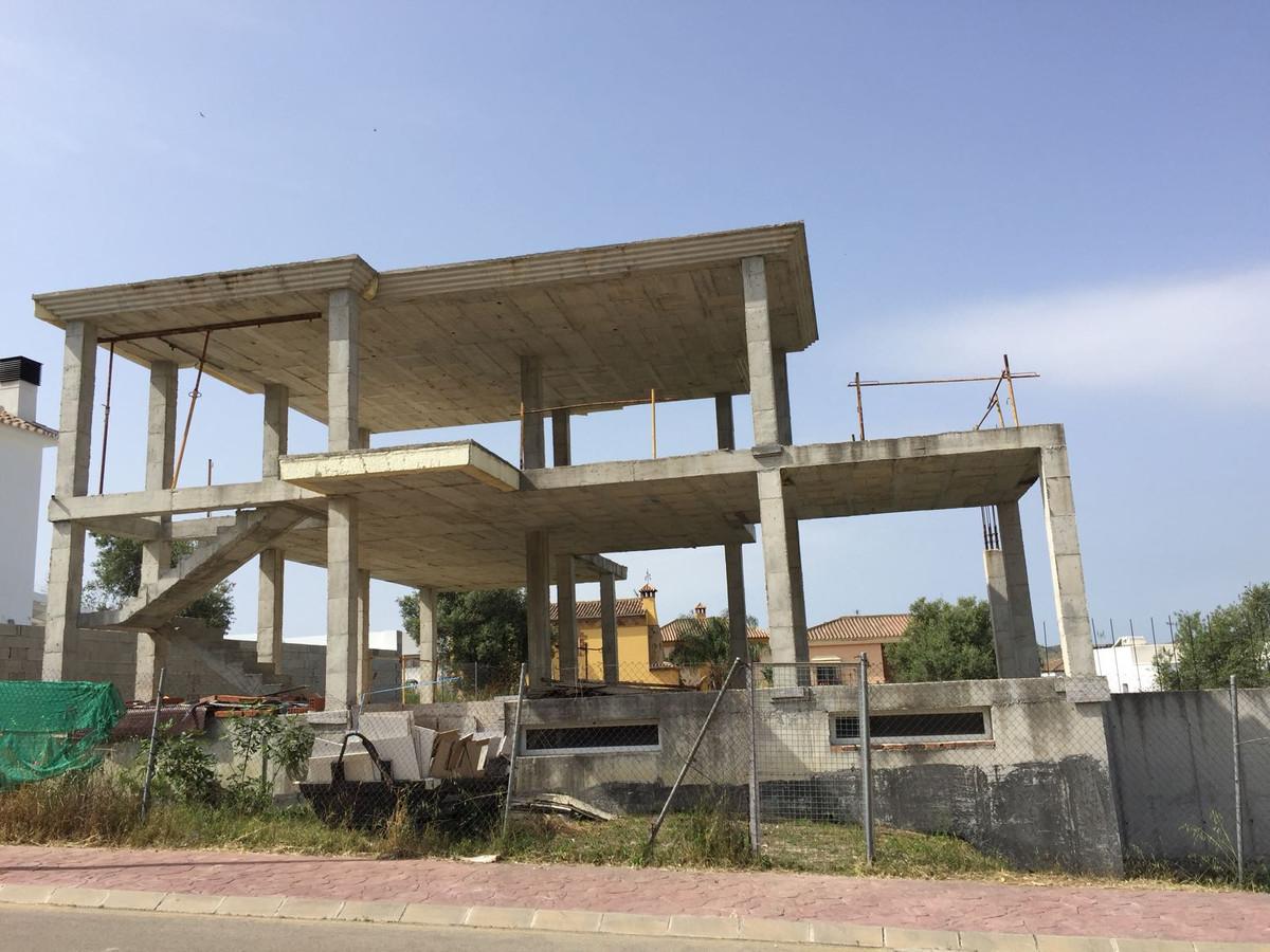 Price: 972€/sqm : 320 sqm on a plot of 480 sqm HOUSE STRUCTURE IN NUEVA SIERREZUELA The sierrezuela.Spain