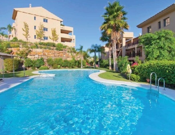 "Price: 1504€/sqm : 226 sqm  The penthouse is located in ""La Resina Golf Resort ', 5 minute, Spain"