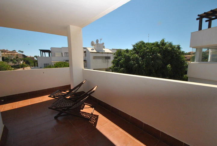 Price 1316€/sqm : 106 sqm Corner apartment that includes 2 bedrooms, two bathrooms, a living room an,Spain