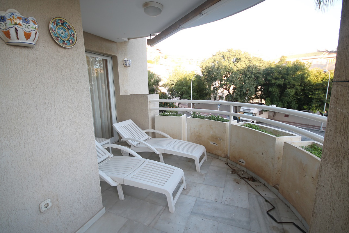 Great Apartment with 3 bedrooms, 2 bathrooms and parking space, located in Torremolinos in the famou, Spain