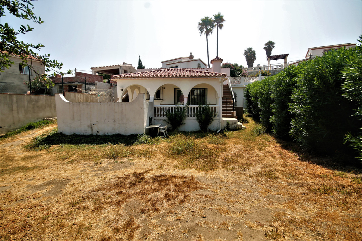 Beautiful house located 200 m from the beach, it includes 2 bedrooms and 1 bathroom. There is a beau,Spain