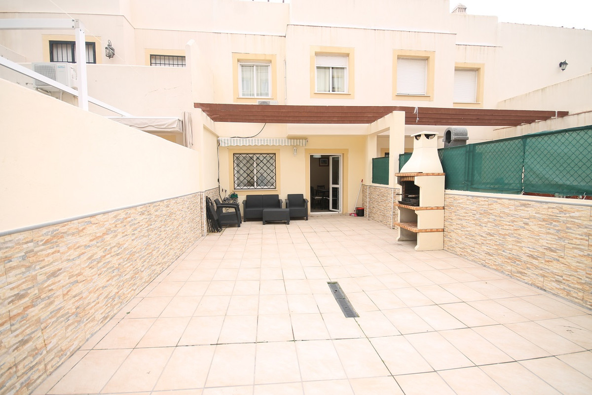 Terraced house located in Benalmadena.  House fully air conditioned. This house has 3 bedrooms and t, Spain