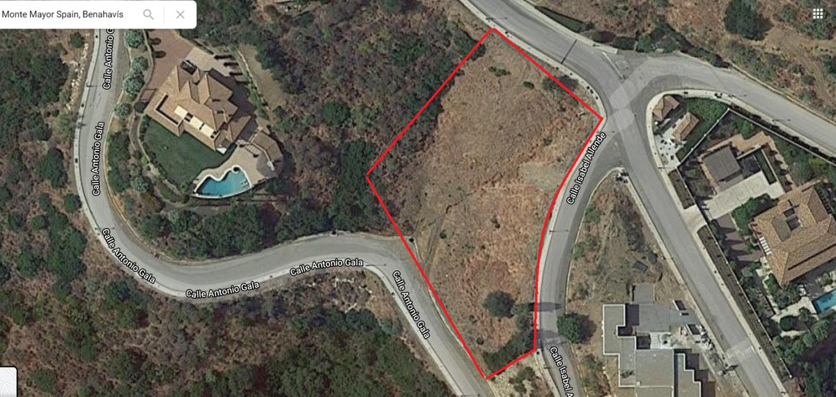 Land for sale 2448m2 and a fully finished structure of 900m2.  The current price is as it is now, wi,Spain