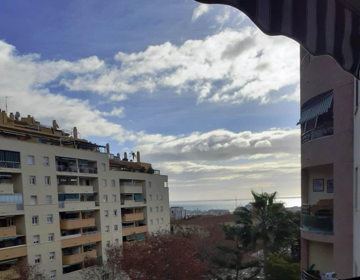 Marbella Banus Apartamento en Venta en Marbella – R3769474