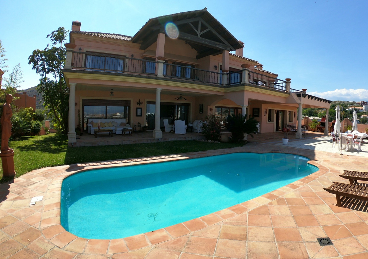 6 bedroom luxury villa with panoramic sea views and private lift located in Urb. The la Alqueria (Be,Spain