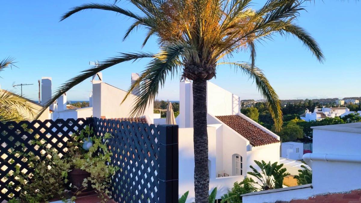 Unifamiliar  Adosada en venta   en Nueva Andalucía