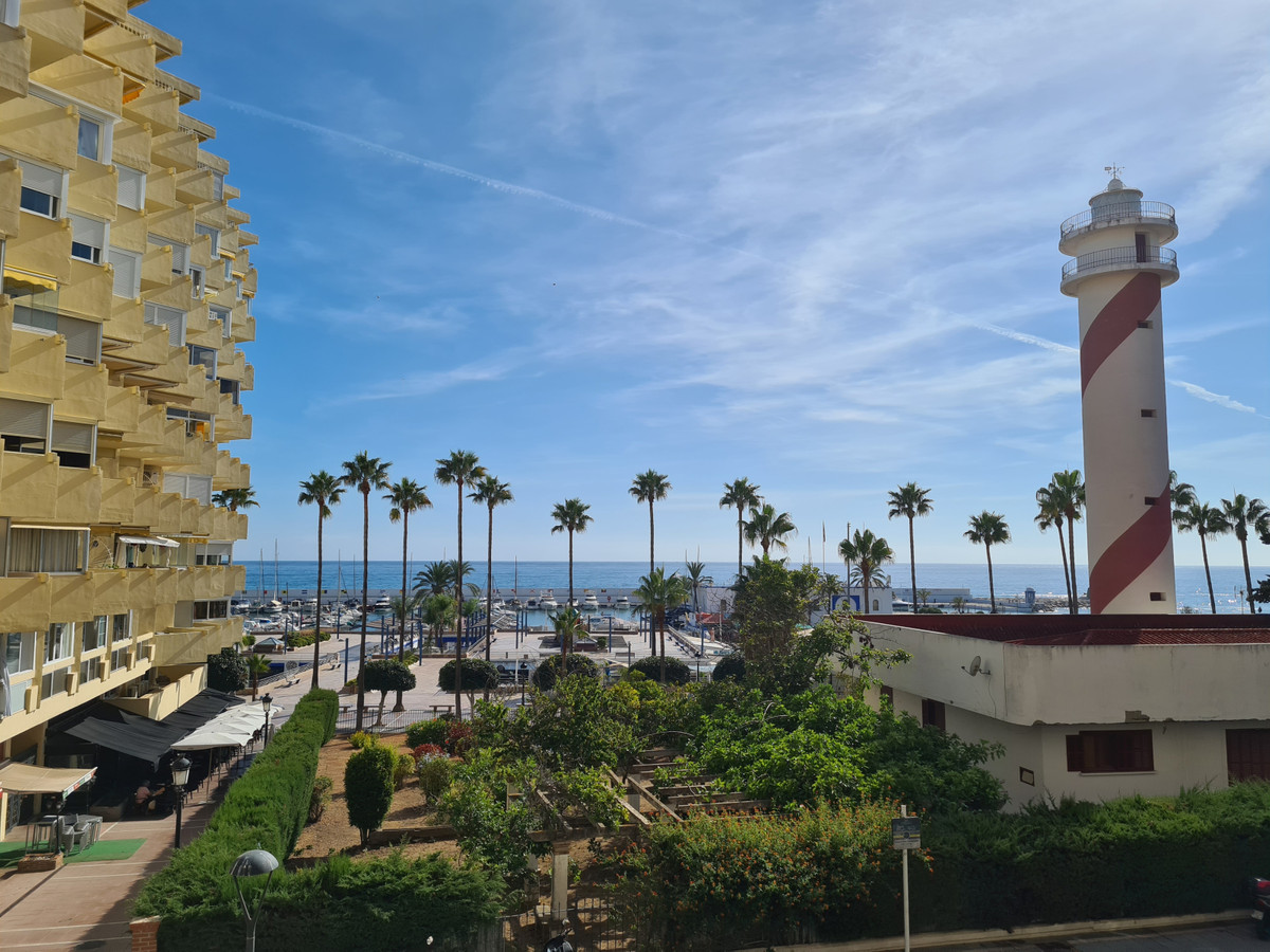 1 bedroom and 1 bathroom apartment on the second line of the beach in the center of Marbella with so,Spain