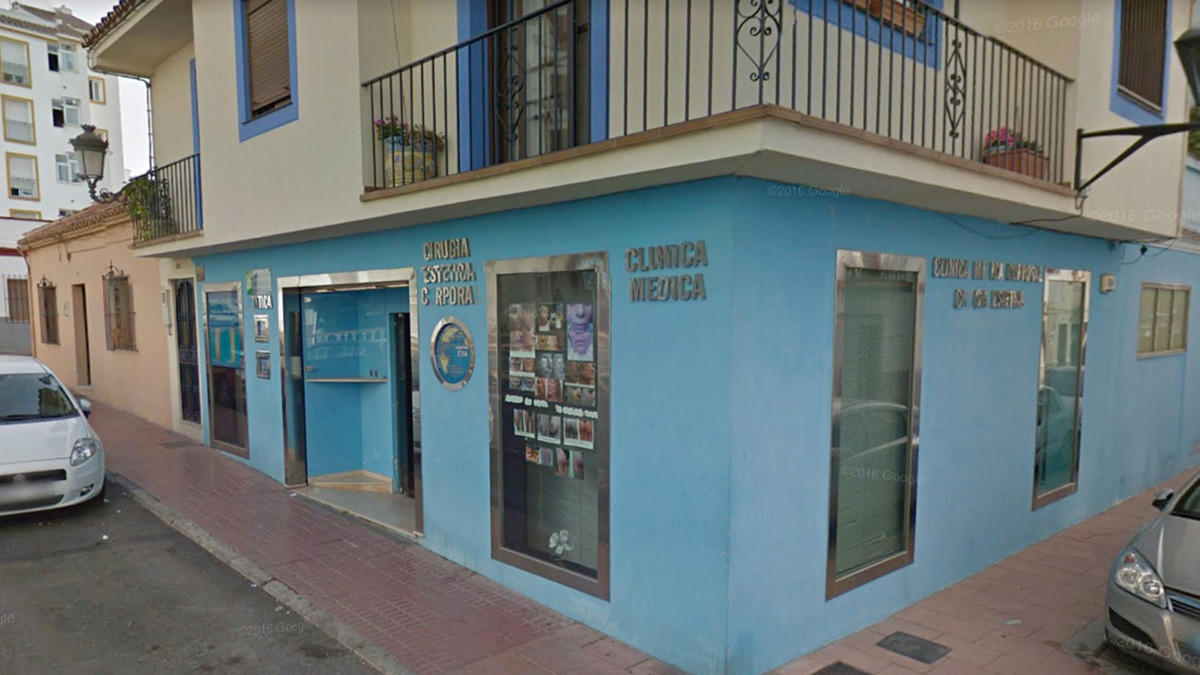 Commercial premises of 122 m2 in the center of Estepona.  Distributed in two floors, this place has , Spain