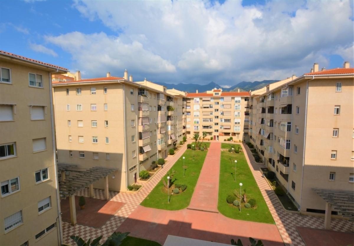 Marbella Banus Apartamento en Venta en Marbella – R3812509