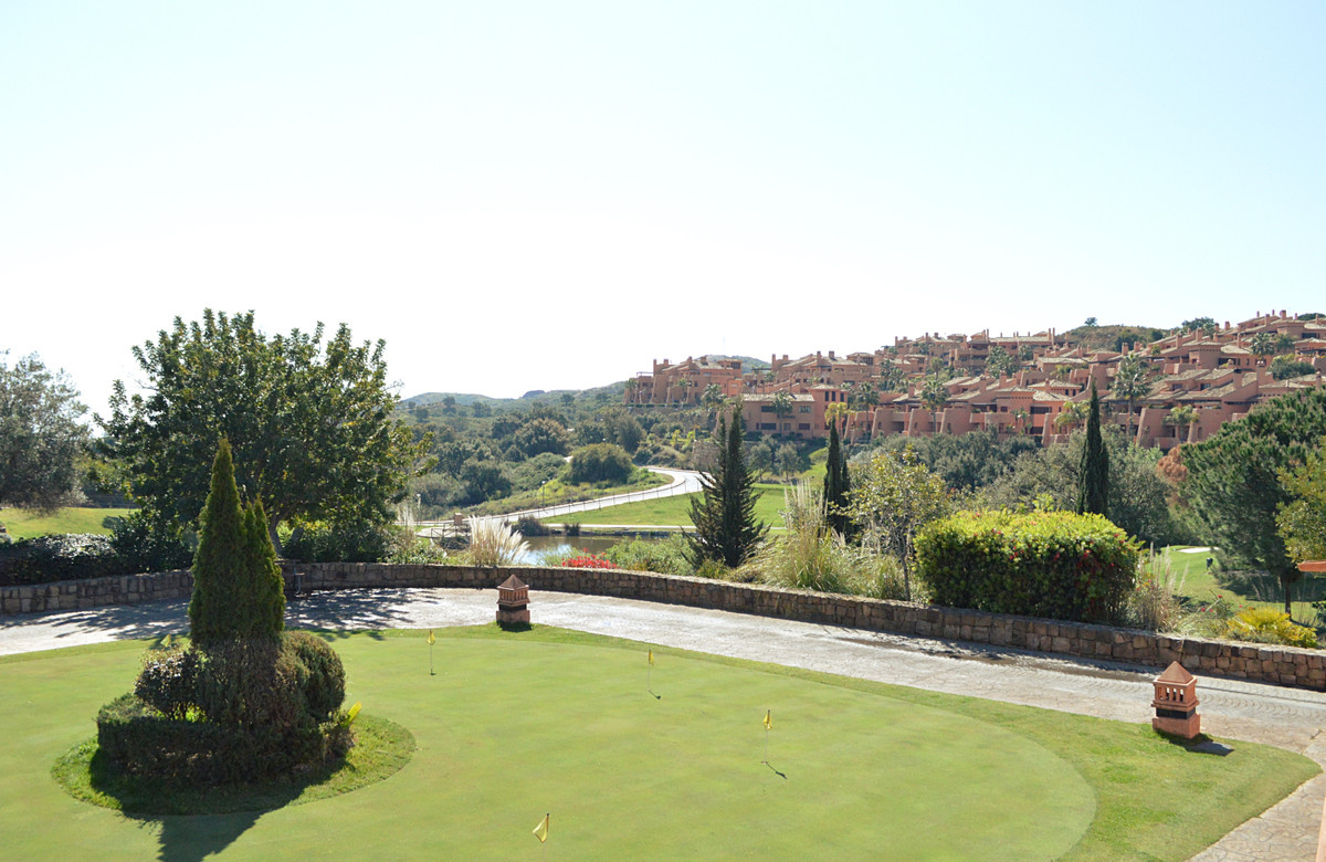 A little piece of Heaven in el Soto of Marbella.  Beautiful apartment of 128 m2 in phase 1, south fa,Spain