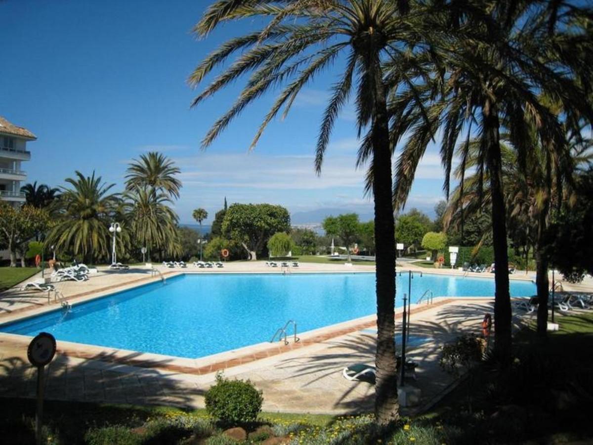 Marbella Banus Apartamento Planta Baja en Venta en Marbella – R3468265