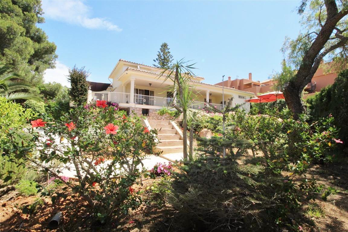 Villa Individuelle à Cabopino, Costa del Sol