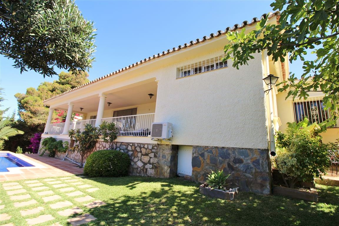 Villa Detached in Cabopino, Costa del Sol