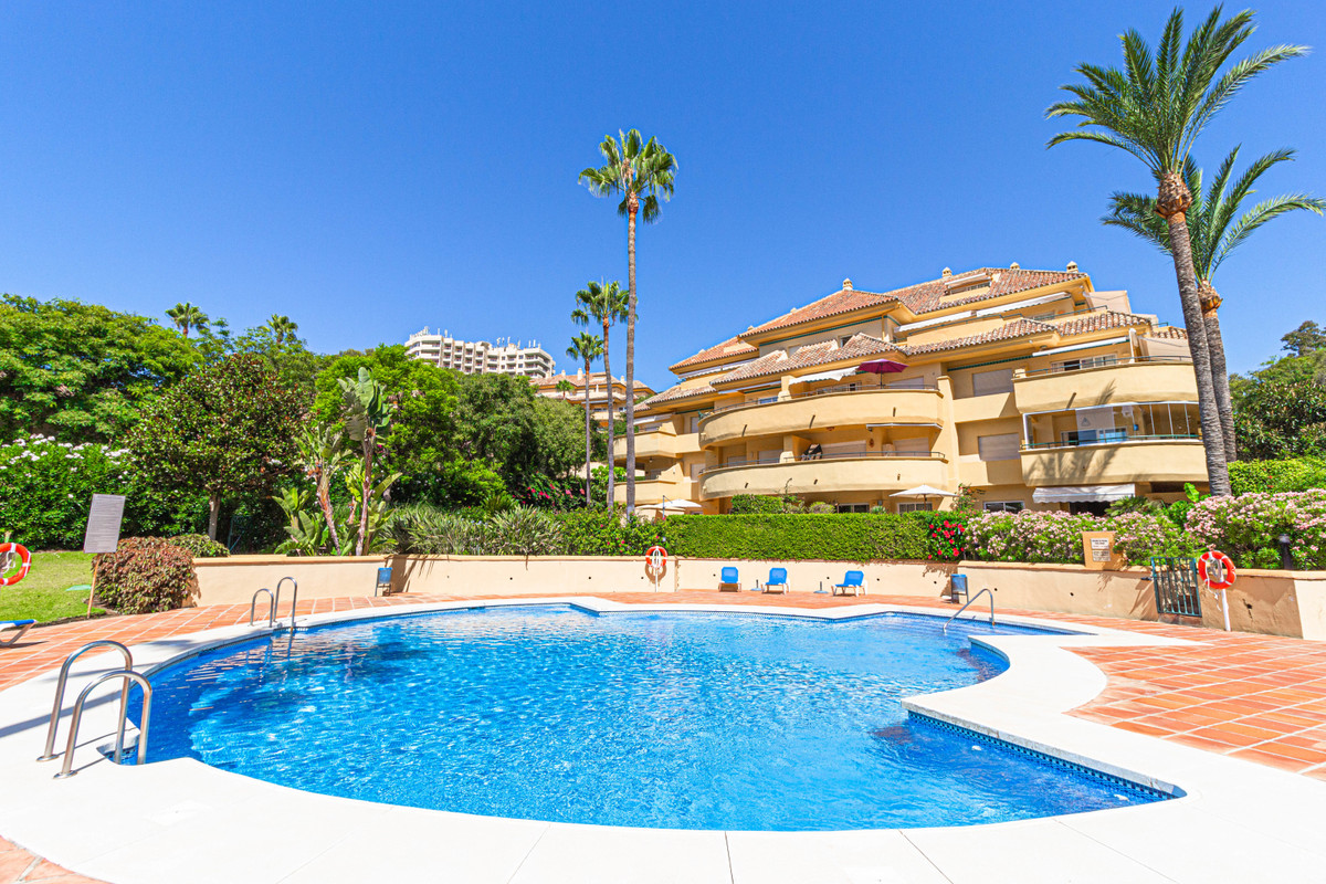 Tastefully refurbished corner apartment situated next to the famous Rio Real golf course!  This grea, Spain