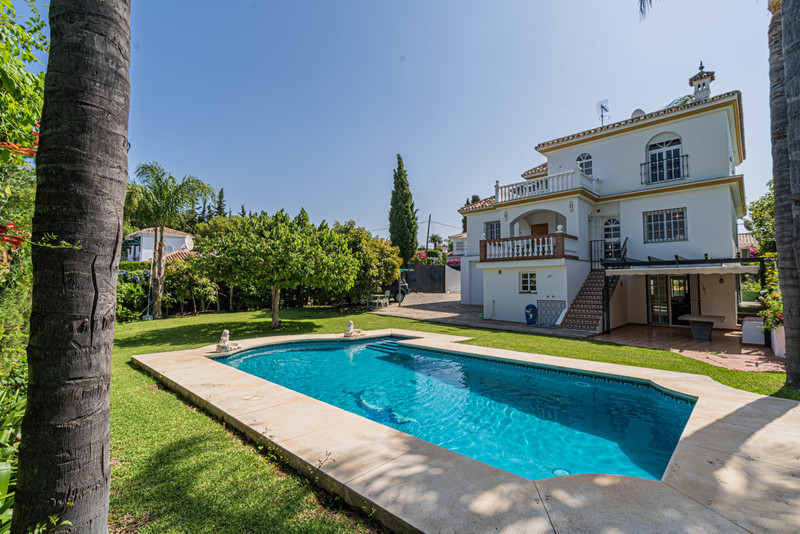 Villas for sale in Guadalmina 27