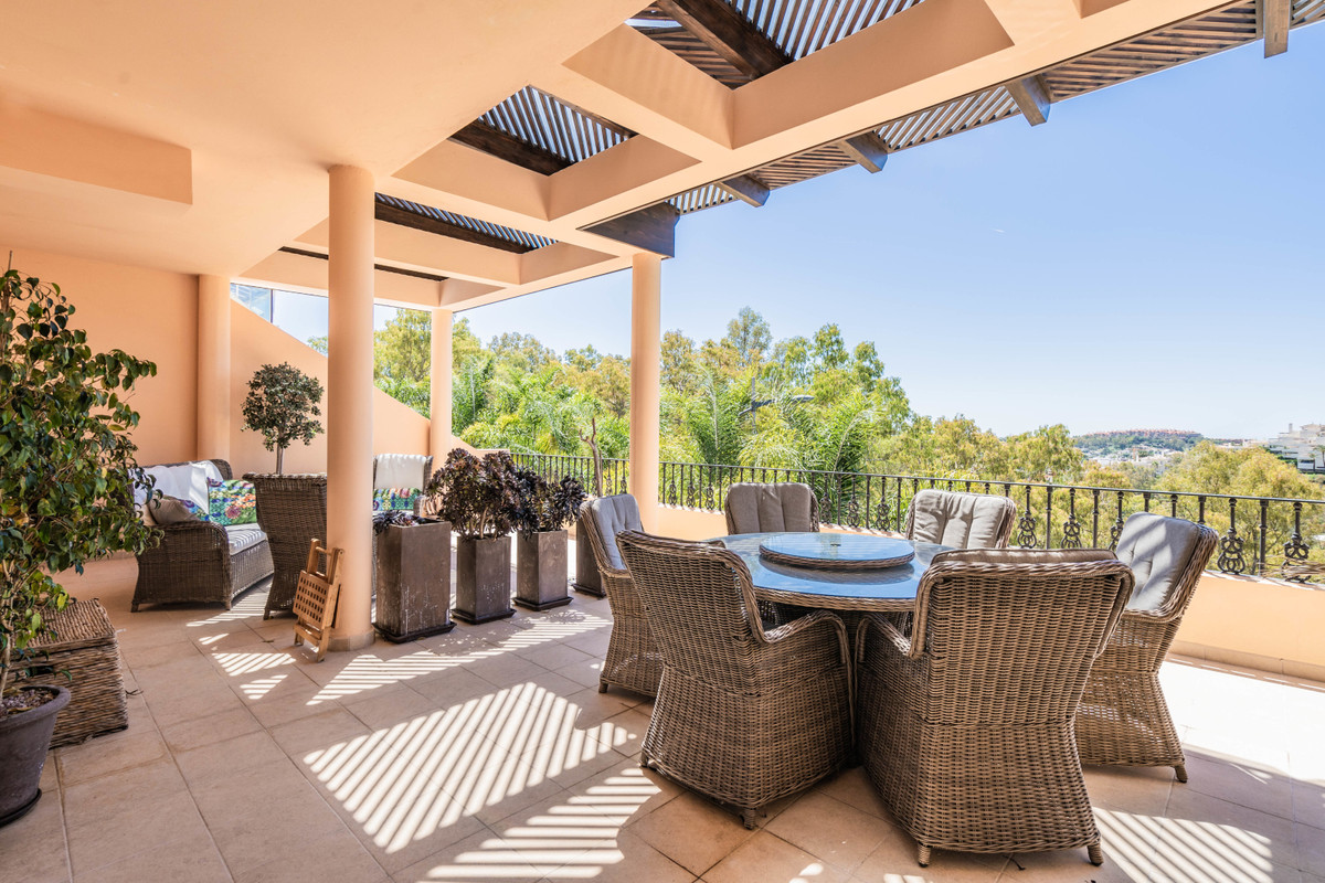 Welcome to this modern apartment with large terrace in exclusive Vista Real, Nueva Andalucia.  The p,Spain