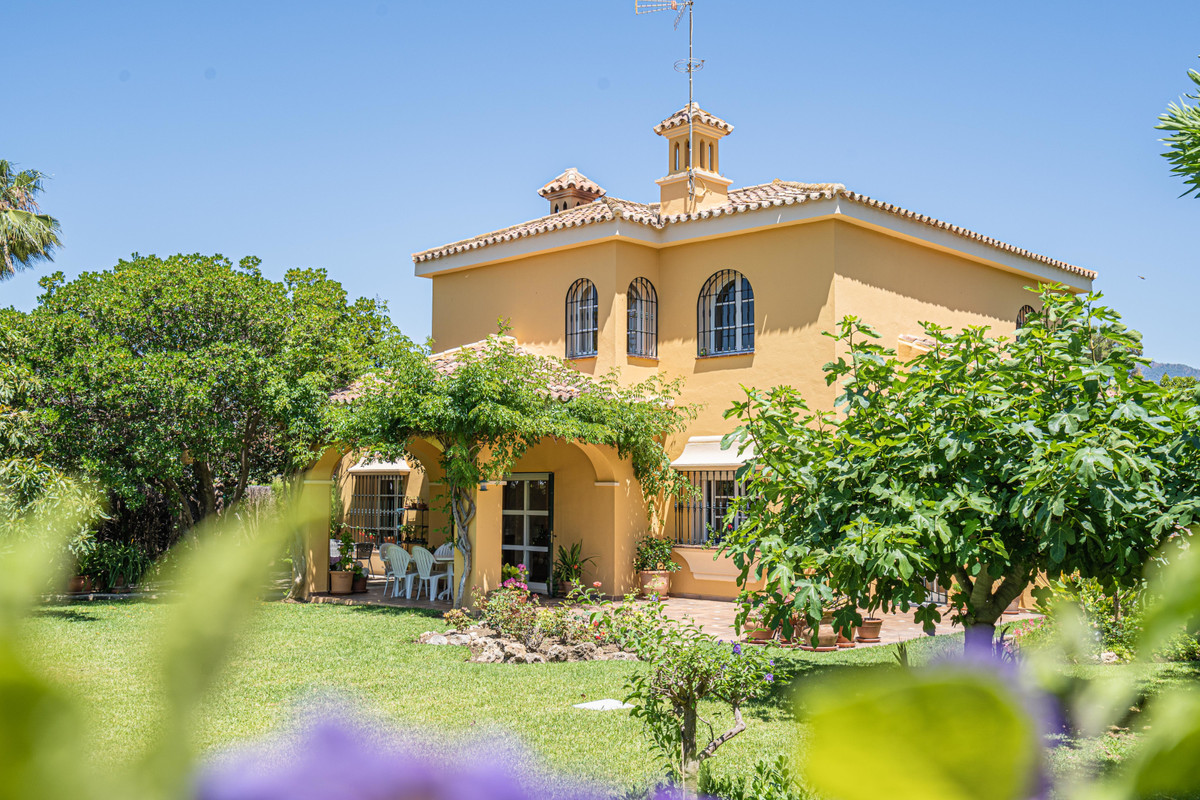 Welcome to this fabulous villa located on one of the best addresses in Guadalmina!  On the ground fl, Spain