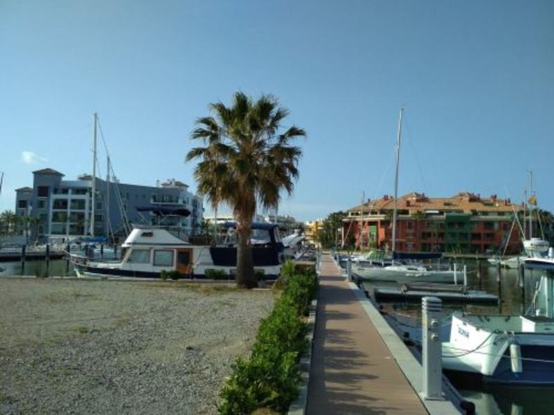Apartamento Planta Media en venta, Sotogrande Marina – R3436435