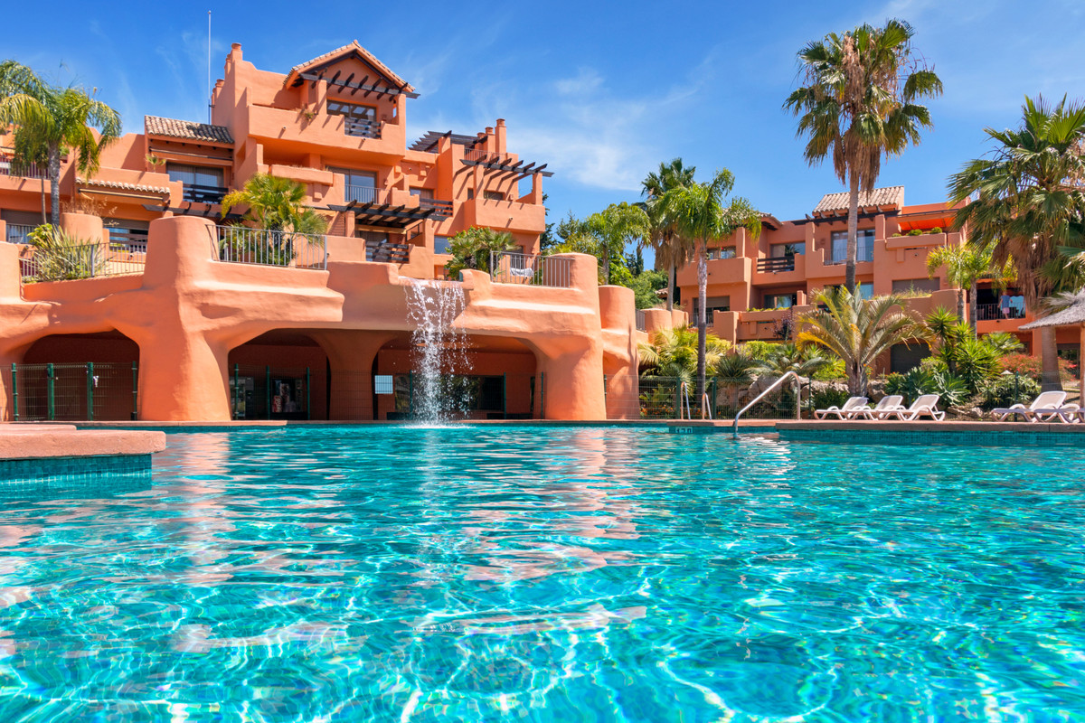 Marbella Banus Ático en Venta en New Golden Mile – R3451963