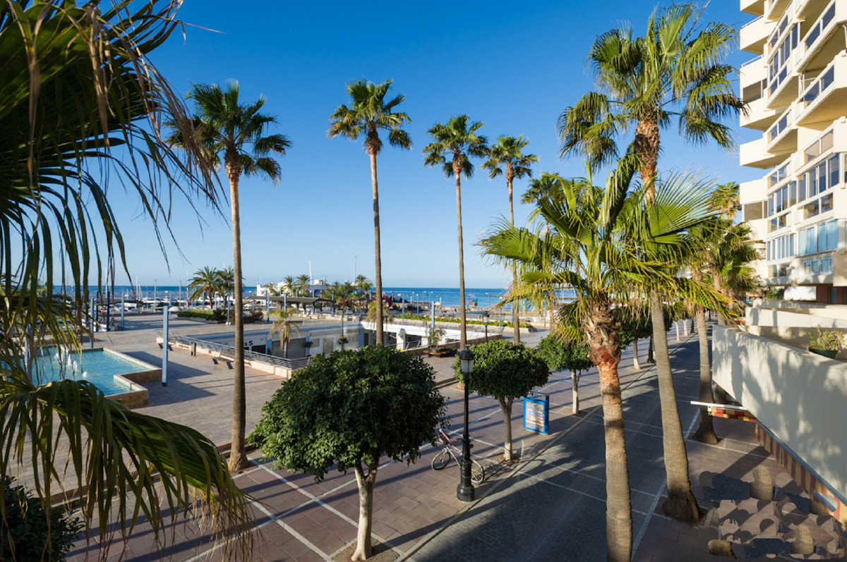 Nice office on the first line of the beach, overlooking the Marina of Marbella.  The office is distr,Spain