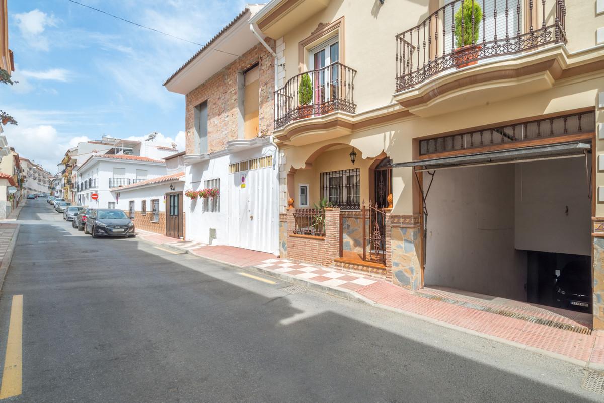 Rijhuis te koop in Alhaurín el Grande R3920392