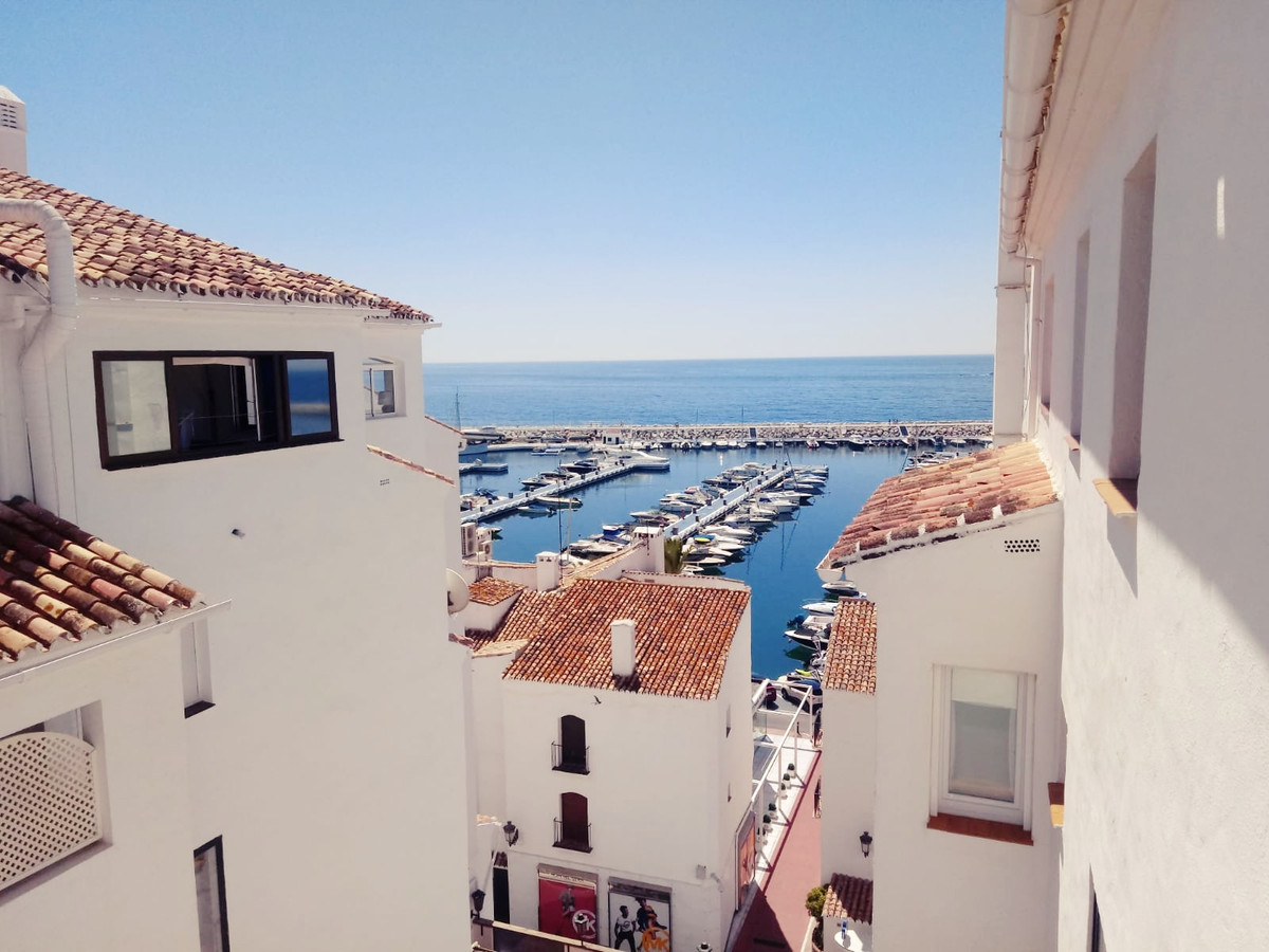 Opportunity to acquire a house in the best area of Puerto Banus.u000b  Property Puerto Banus Consult, Spain