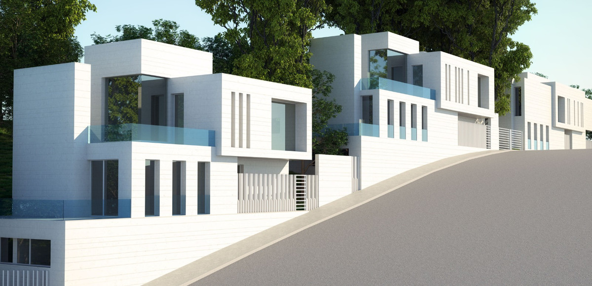 THREE DETACHED FAMILY HOUSES RAMON GOMEZ DE LA SERNA STREET, MALAGA  Project of three isolated house,Spain