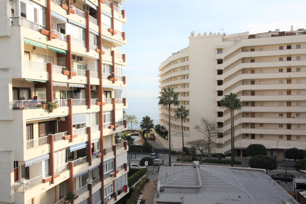 Modern very bright apartment in the center of Marbella a few meters from the beach. It consists of a, Spain